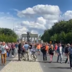 Corona-Demo mit Brandenburger Tor